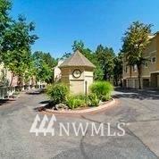 1800 Ne 40th St, Renton, WA 98056 (MLS #1805214) :: Community Real Estate Group