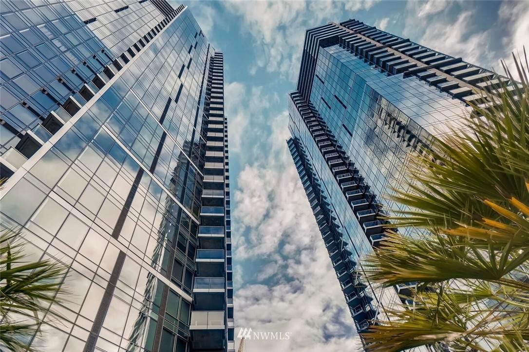 500 106th Avenue - Photo 1