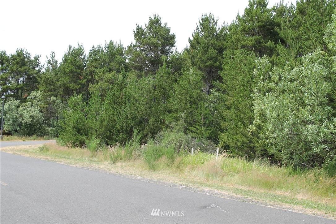 2 Driftwood Lane - Photo 1