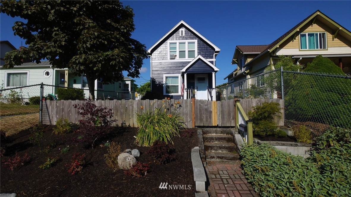 2514 Sheridan Avenue - Photo 1