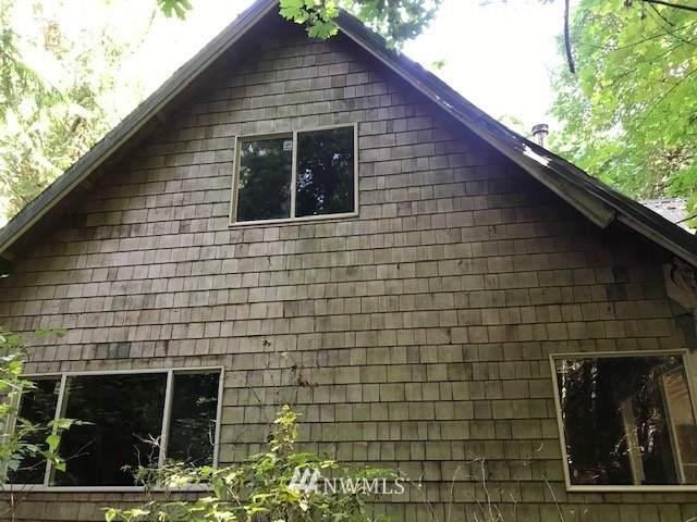 2748 Sandy Drive, Camano Island, WA 98282 (#1815409) :: The Kendra Todd Group at Keller Williams