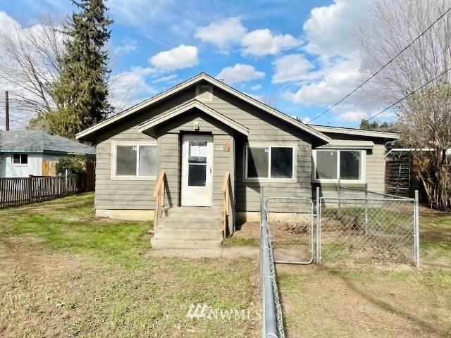 1111 Maple Way, Zillah, WA 98953 (#1815677) :: Ben Kinney Real Estate Team