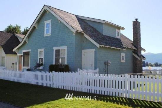 125 Barefoot Lane, Oroville, WA 98844 (#1815760) :: Pacific Partners @ Greene Realty