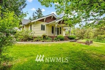 8808 Barnes Drive, Castle Rock, WA 98611 (MLS #1817098) :: Reuben Bray Homes