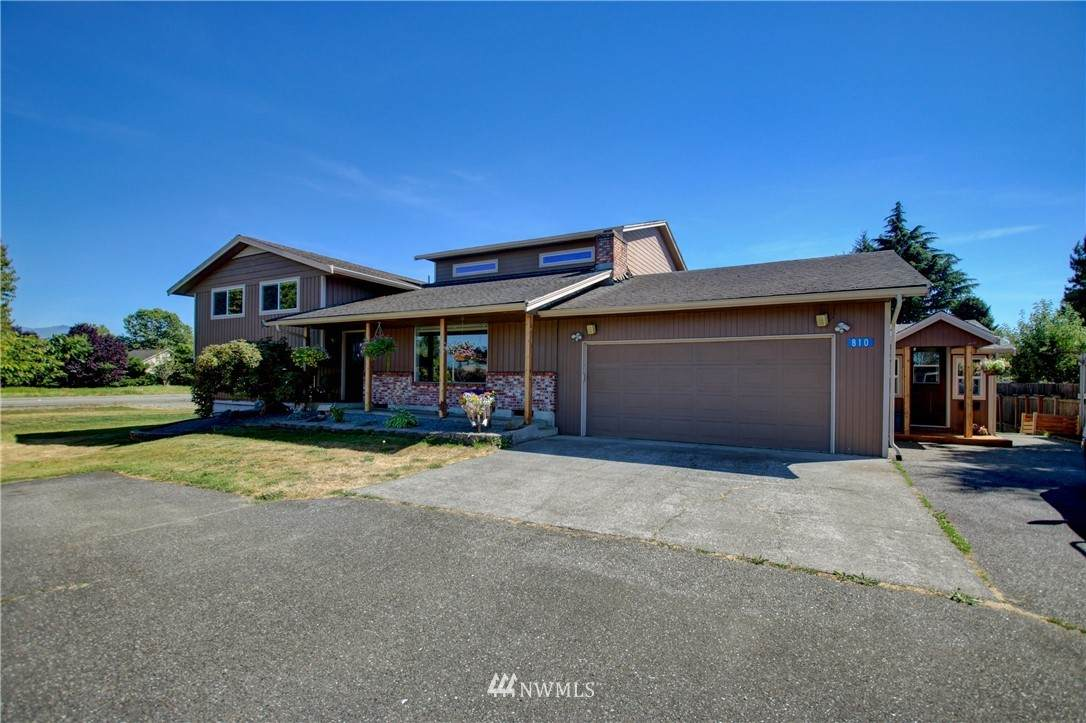 810 Peterson Road - Photo 1