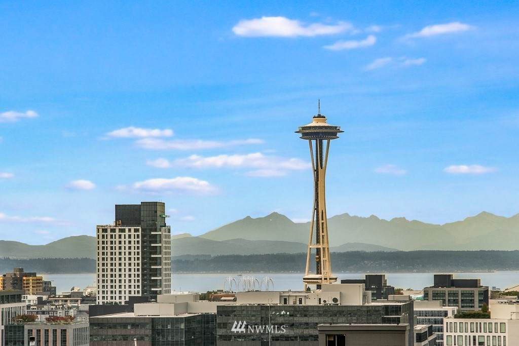 411 Summit Avenue - Photo 1