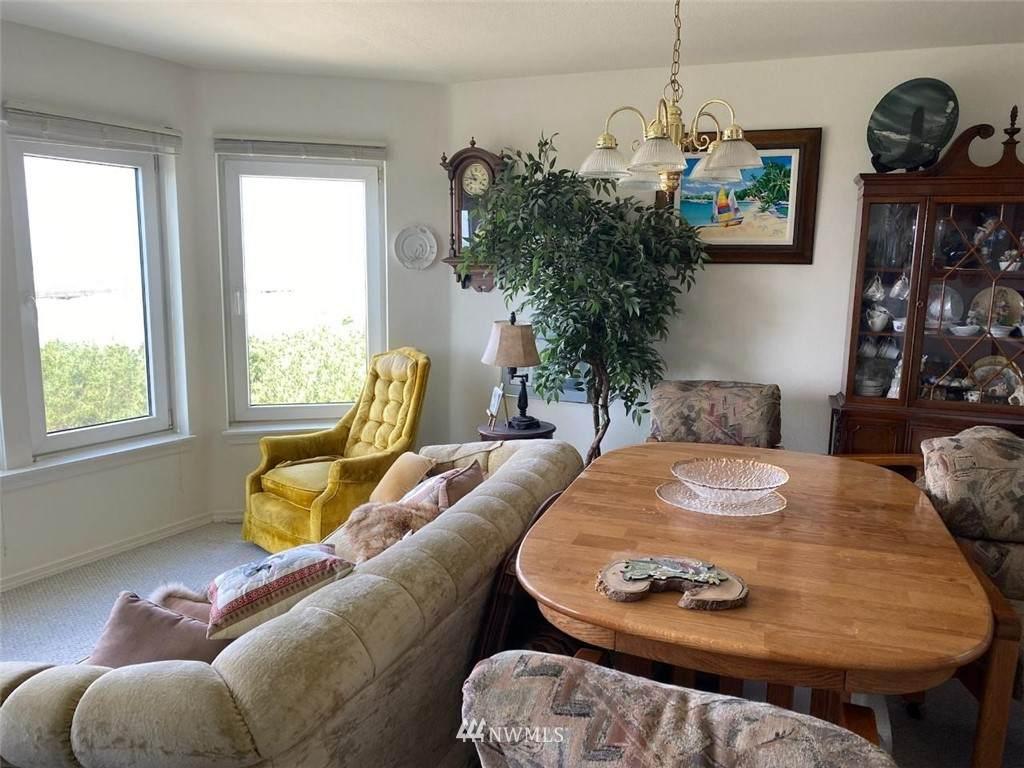501 Shoreview Drive - Photo 1