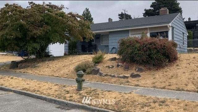 8454 40th Avenue SW, Seattle, WA 98144 (#1832562) :: Franklin Home Team