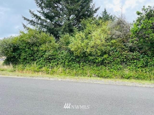 501 Ensign Avenue - Photo 1