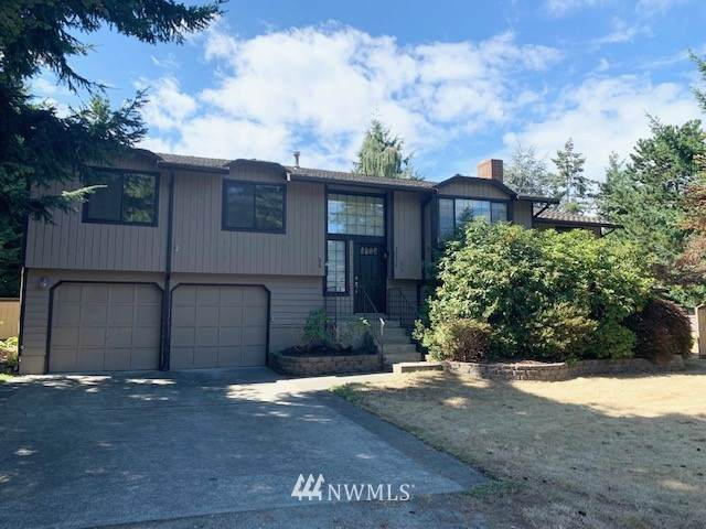 30235 24th Avenue SW, Federal Way, WA 98023 (#1832895) :: The Snow Group