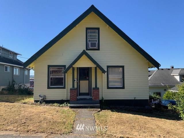 573 NE Adams Avenue, Chehalis, WA 98532 (#1838121) :: Keller Williams Western Realty