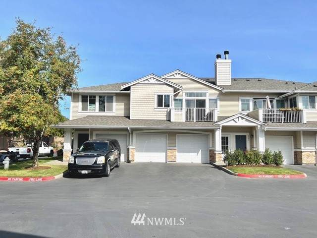 5907 S 231st Street, Kent, WA 98032 (#1841426) :: Ben Kinney Real Estate Team