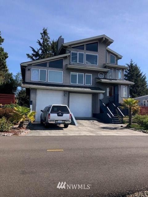 35204 J Place, Ocean Park, WA 98640 (#1842435) :: McAuley Homes