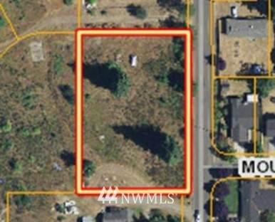 1001 Crystal Springs Road NW, Yelm, WA 98597 (#1842439) :: Keller Williams Western Realty