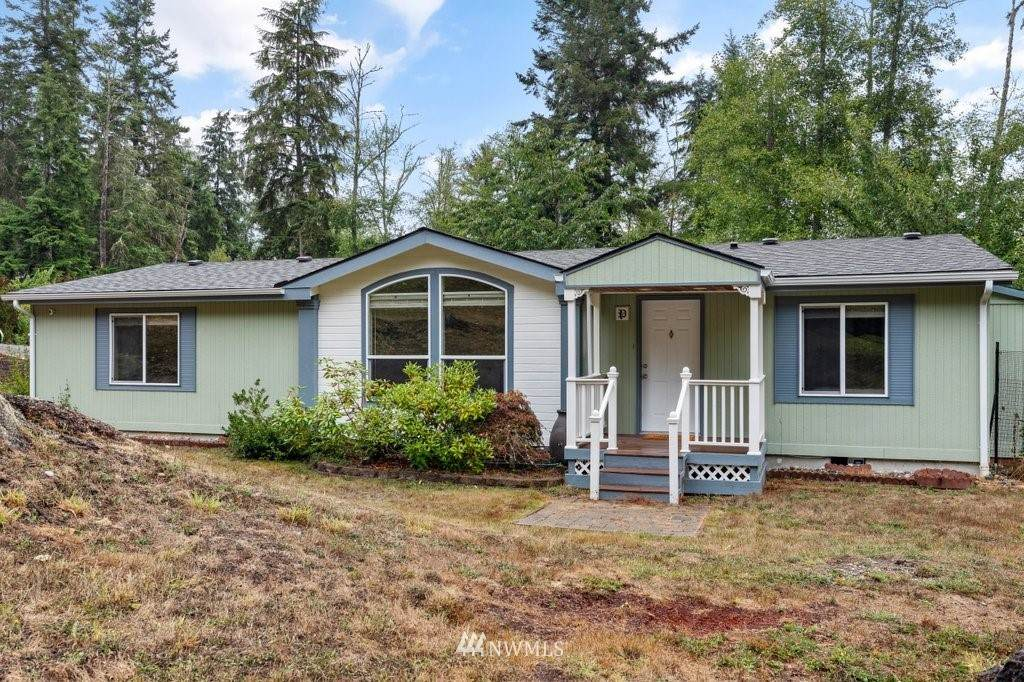 2556 Lake Forest Drive - Photo 1