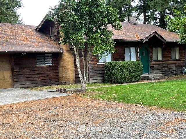 8209 Mount Tacoma Drive SW, Lakewood, WA 98498 (#1855460) :: Ben Kinney Real Estate Team