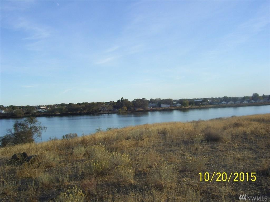 178 Crestview Drive - Photo 1
