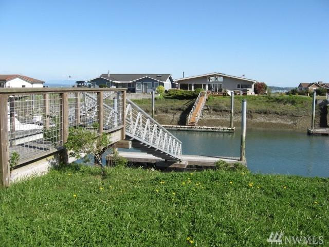 2230 Mariners Wy, Oak Harbor, WA 98277 (#922669) :: Ben Kinney Real Estate Team
