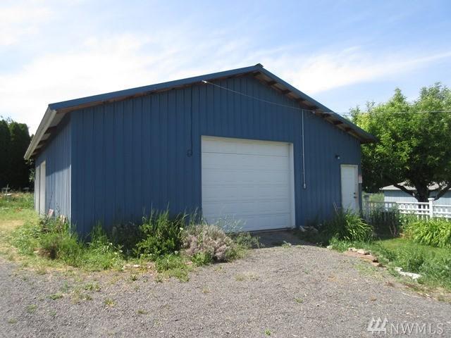21 Hexon Rd, Selah, WA 98942 (#1140640) :: Ben Kinney Real Estate Team