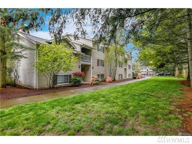 19230 Lake Forest Park Dr NE L-140, Lake Forest Park, WA 98155 (#1189544) :: Windermere Real Estate/East