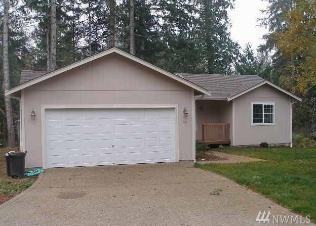 30 E Squaxin Place, Shelton, WA 98584 (#1200205) :: Ben Kinney Real Estate Team