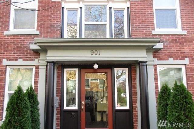 901 NE 43rd St #106, Seattle, WA 98105 (#1226364) :: Icon Real Estate Group