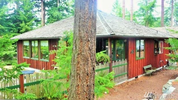 2121 Ash St, Port Townsend, WA 98368 (#1246244) :: Homes on the Sound