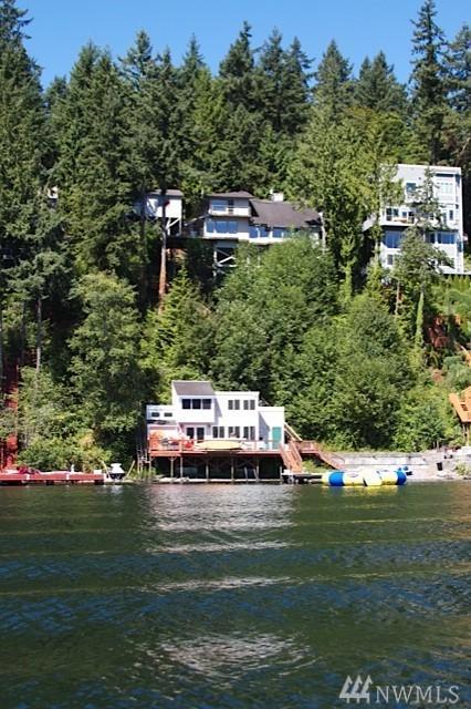 2140 W Lake Sammamish Pkwy NE, Redmond, WA 98052 (#1279700) :: The DiBello Real Estate Group