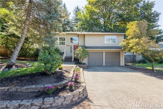 11821 SE 67th Place, Bellevue, WA 98006 (#1287795) :: Homes on the Sound