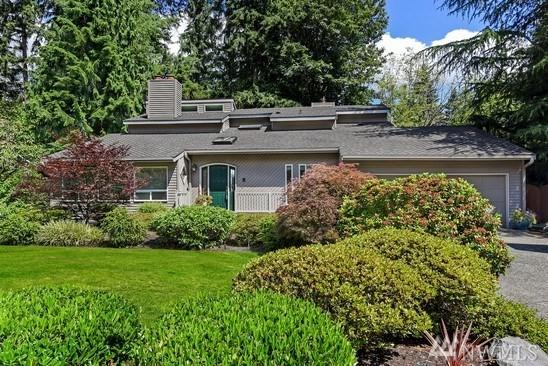 2708 Sahalee Dr E, Sammamish, WA 98074 (#1299794) :: The Robert Ott Group