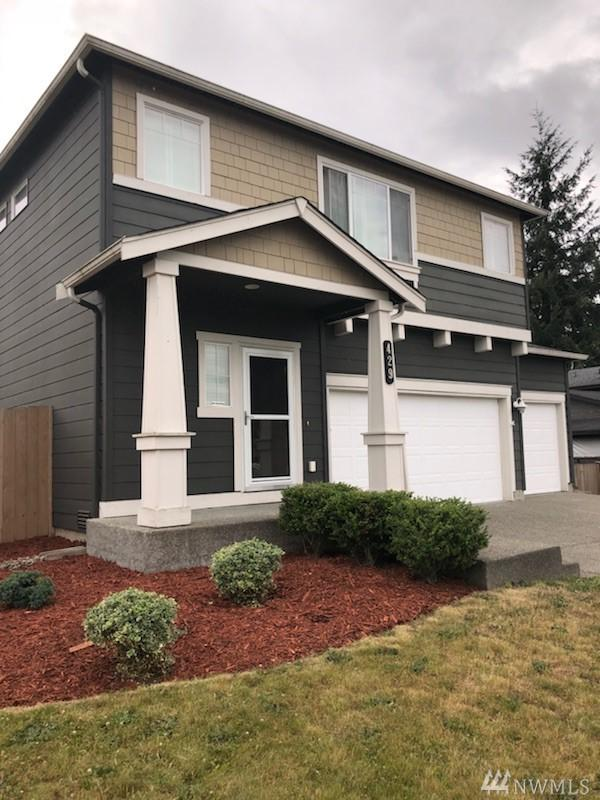 429 21st St NW, Puyallup, WA 98371 (#1315685) :: Homes on the Sound