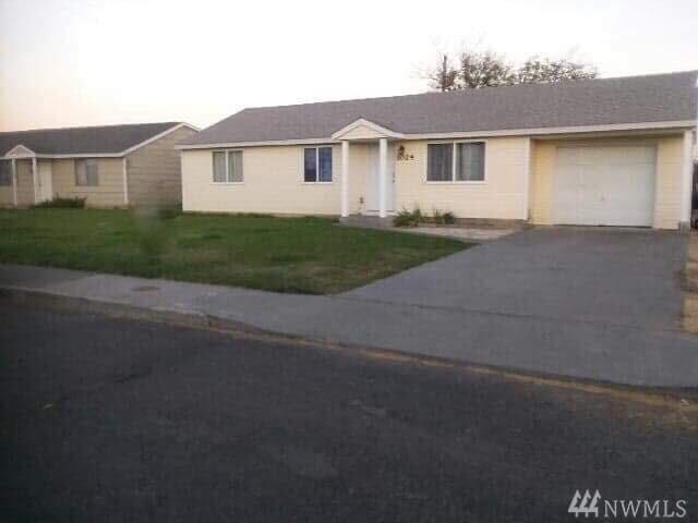 1024 Northwest Lane, Moses Lake, WA 98837 (#1339023) :: Crutcher Dennis - My Puget Sound Homes