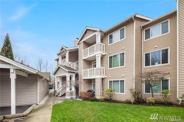 15300 112th Ave NE B308, Bothell, WA 98011 (#1346497) :: Keller Williams Everett