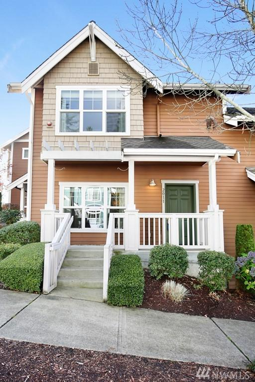 2011 NE Katsura St, Issaquah, WA 98029 (#1384033) :: Commencement Bay Brokers