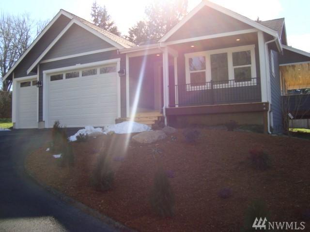389 NW Dyes View Ct, Bremerton, WA 98311 (#1398225) :: The Royston Team