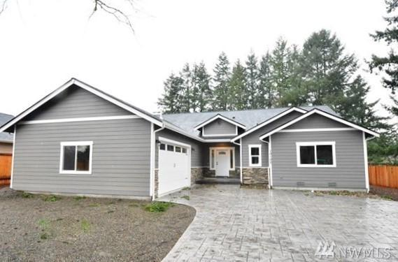 10102 Farwest Dr SW, Lakewood, WA 98498 (#1399442) :: Pickett Street Properties