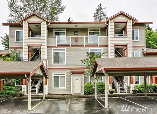 2928 151st Place SW T-302, Lynnwood, WA 98087 (#1412557) :: Real Estate Solutions Group