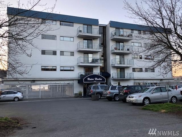 2301 Fairview Ave E #105, Seattle, WA 98102 (#1418357) :: HergGroup Seattle