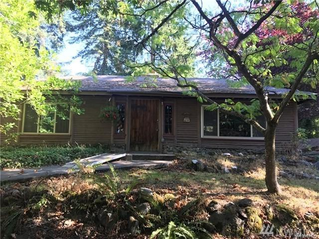 23707 W 48th Ave, Mountlake Terrace, WA 94043 (#1423088) :: Real Estate Solutions Group