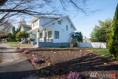 1115 31st Ave, Seattle, WA 98122 (#1433514) :: KW North Seattle