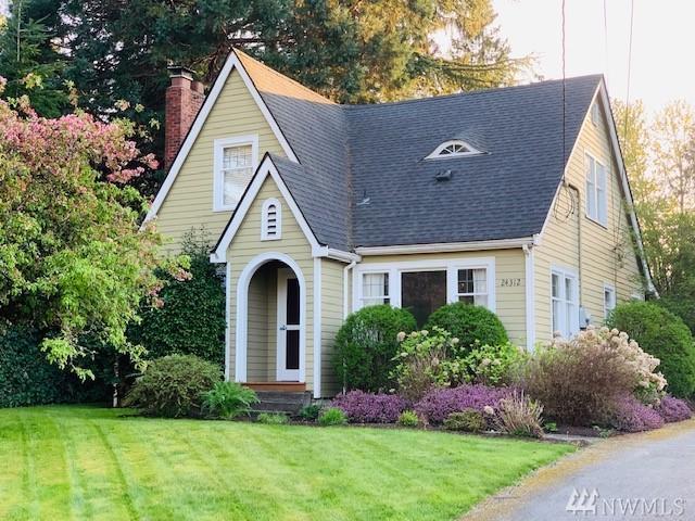 24312 77th Place W, Edmonds, WA 98026 (#1444159) :: McAuley Homes