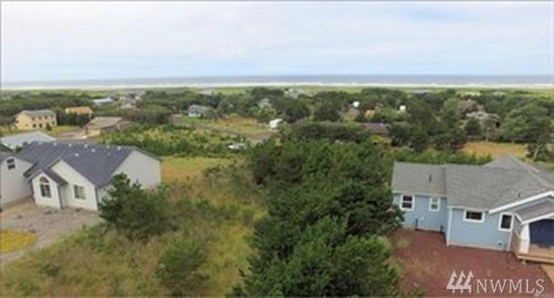 31906 J Place, Ocean Park, WA 98640 (#1490798) :: Chris Cross Real Estate Group