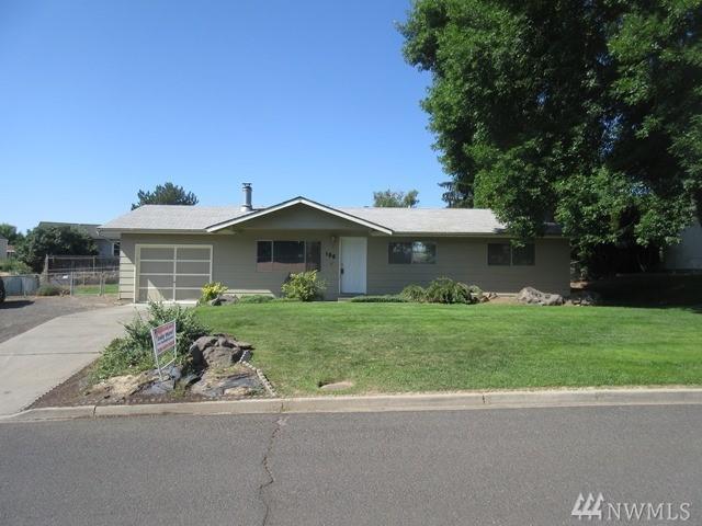 106 Palmer Dr, Selah, WA 98942 (#1493551) :: Platinum Real Estate Partners