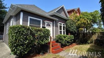 917 23rd Ave, Seattle, WA 98122 (#1496479) :: Keller Williams Western Realty