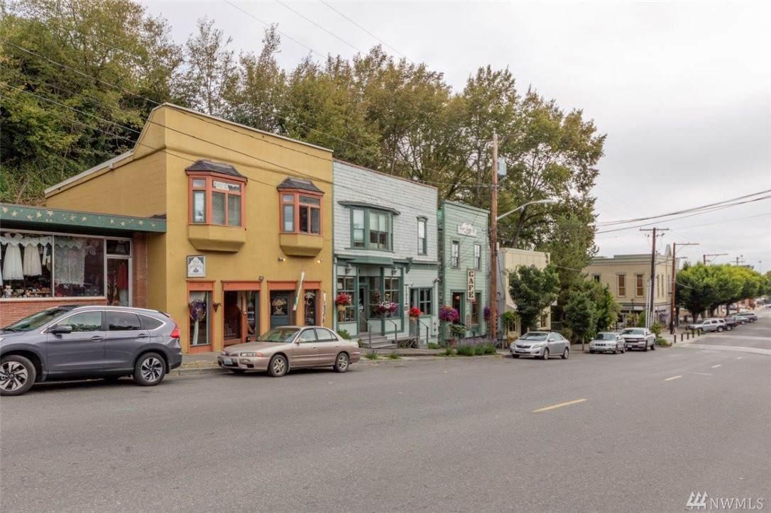 922 Washington St - Photo 1