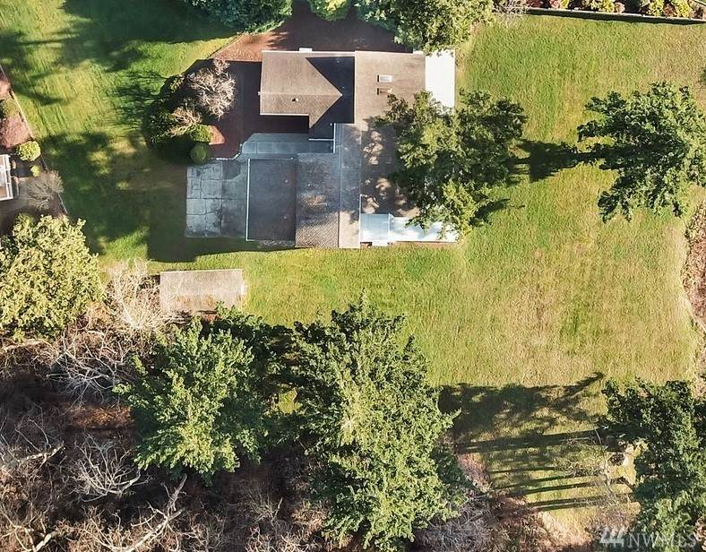 8033 Quinault Rd - Photo 1