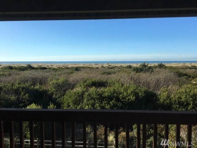 835 Ocean Shores Blvd NW #306, Ocean Shores, WA 98569 (#1546801) :: The Robinett Group