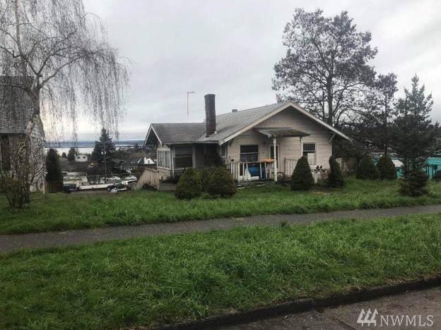 4811 42nd Ave SW, Seattle, WA 98116 (#1556343) :: Keller Williams Western Realty