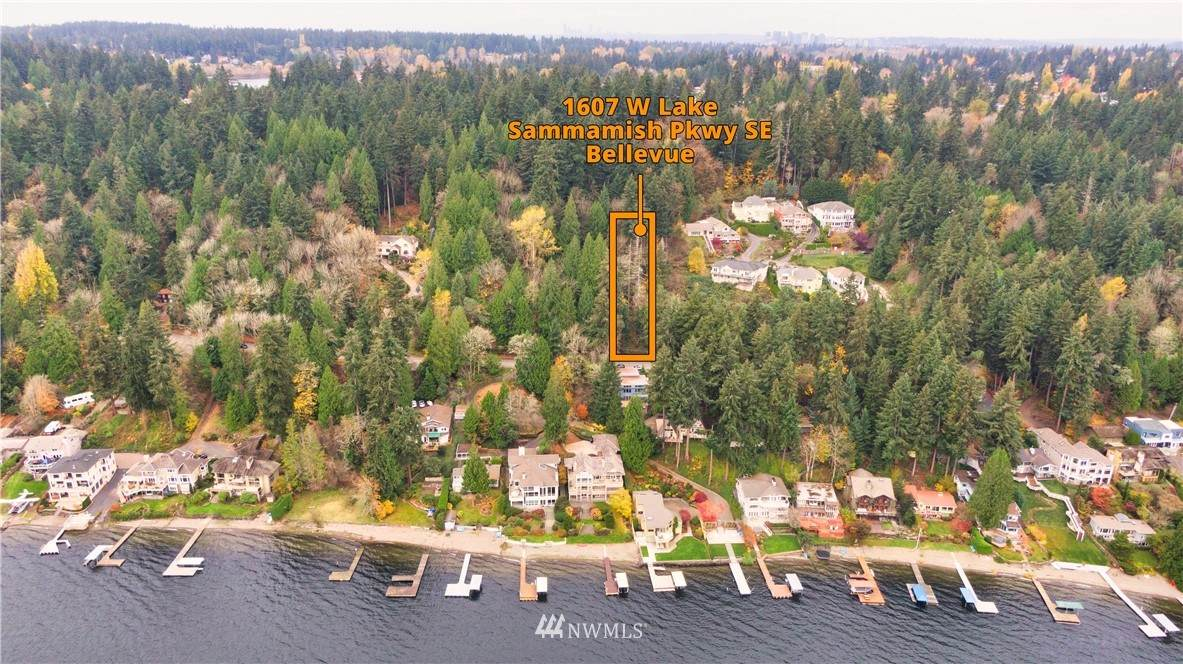 1607 Lake Sammamish Parkway - Photo 1