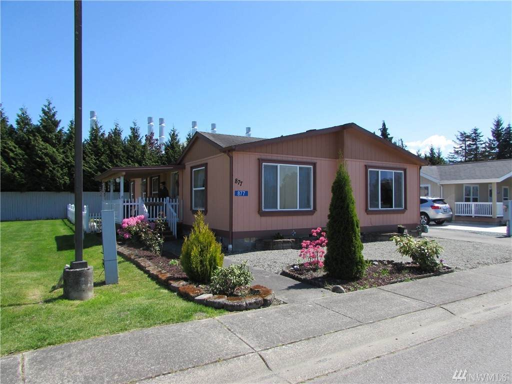 877 Carriage Ct - Photo 1